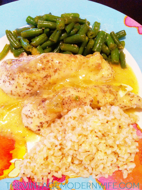 This blogger shows you how to make Cheesy Green Chile Chicken with just a few steps and ingredients! It's so cheesy, spicy, and delicious! Totally making it for dinner tonight!