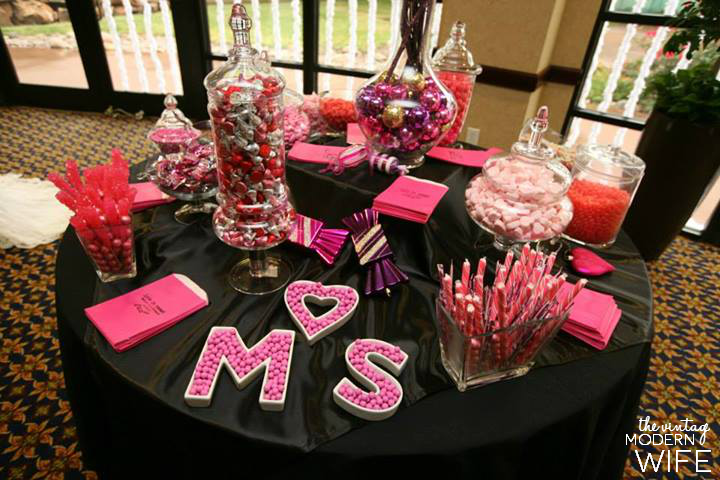 This pink candy buffet is the perfect inspiration for Valentine's decor or a Valentine's wedding!