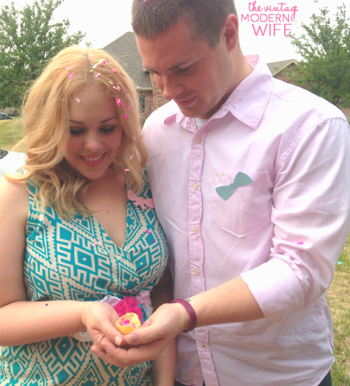 The Vintage Modern Wife had a great idea by using confetti eggs for her baby's gender reveal party! What a sweet picture and fun idea!
