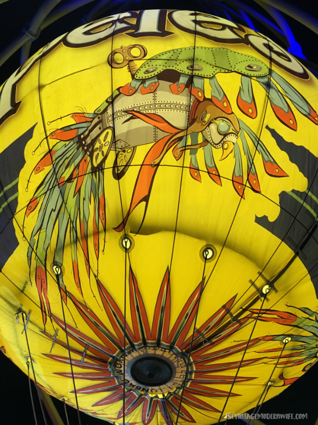 Need a family friendly activity while you're in Branson? Don't miss Parakeet Pete's for their Waterfront Zipline and Steampunk Hot Air Balloon! #explorebranson