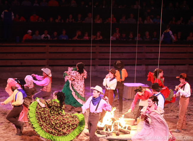 Headed to Branson? You won't want to skip out on Dixie Stampede! It's fun for the whole family! #explorebranson