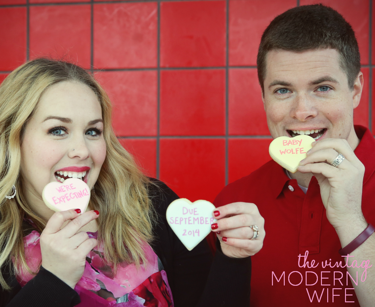 Looking for a cute Conversation Hearts Valentine's pregnancy announcement? The Vintage Modern Wife is sharing the adorable way she and her husband announced their pregnancy!