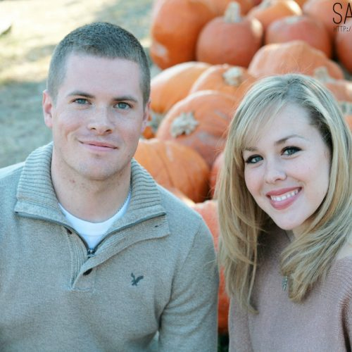 Love this Fall photoshoot of The Vintage Modern Wife by Sarah Lake Photography!