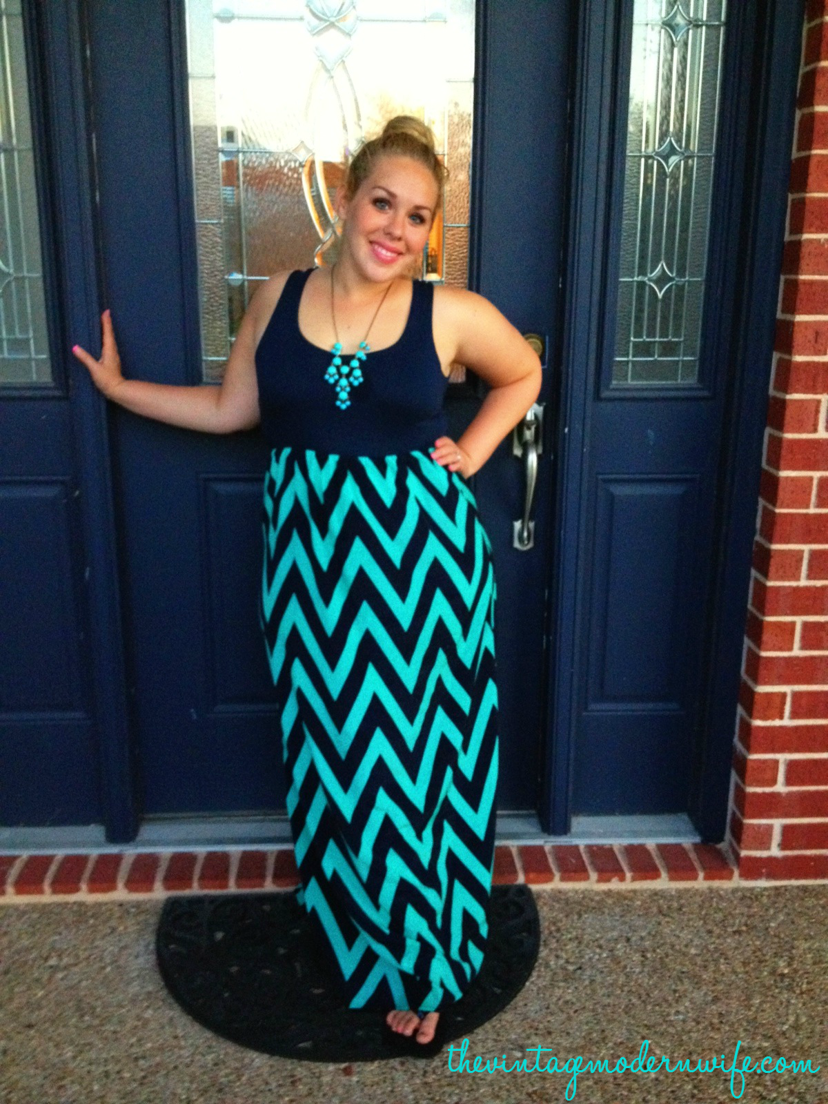 Absolutely love this chevron tank dress from Avery Lane Boutique. I'm so happy it's cheap too!