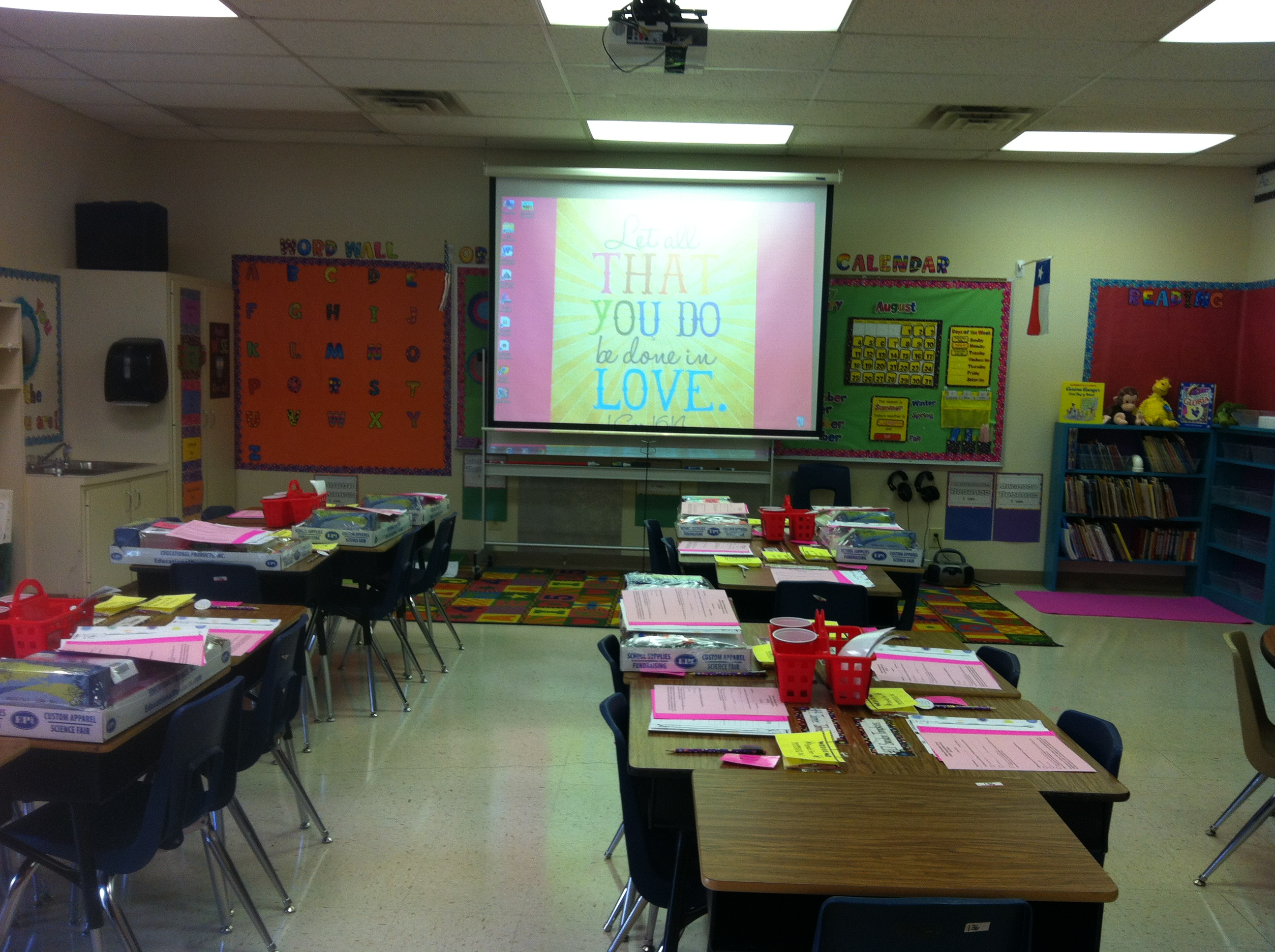 Modern Classroom Teacher : My second home the vintage modern wife