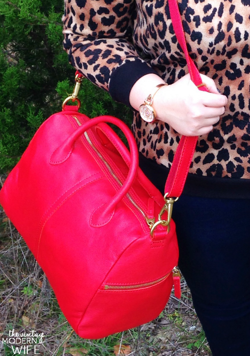 The Erin purse from Fossil is so beautiful! Red, leather, and lots of pockets? What's NOT to love?! #FossilStyle