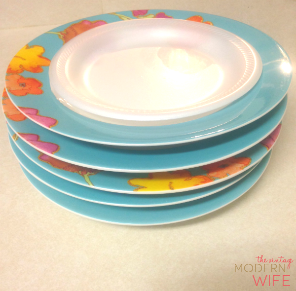 Love this tip on packing plates using styrofoam plates! Love this tip and all the others on this blog.