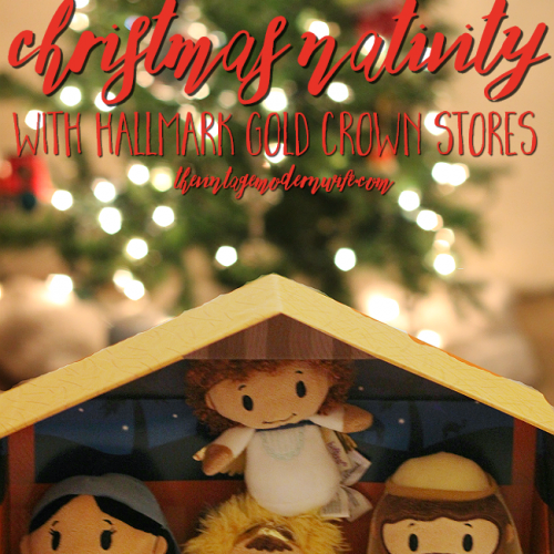 Looking for an adorable nativity set the whole family will love? Hallmark Gold Crown Stores have an Itty Bitty Christmas Nativity that is not only cute, but perfect to display! I love it!