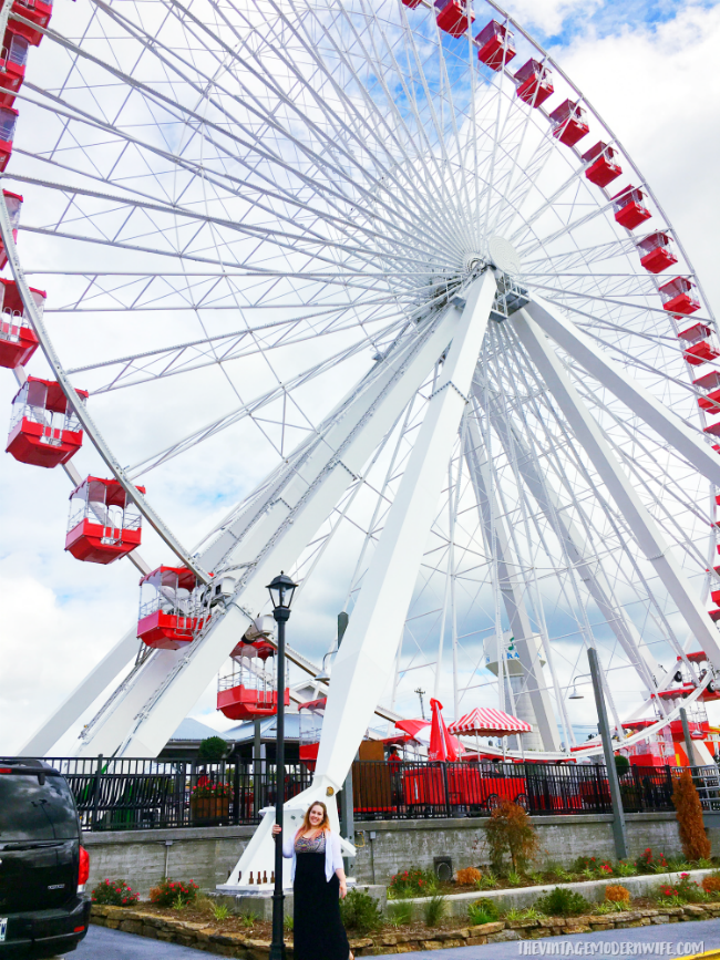 Got some time open in your itinerary in Branson? Check out the Branson Ferris Wheel for insane views of the strip! #explorebranson