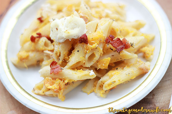 Looking for a pasta bake that'll blow your mind? This Low Calorie Butternut Squash and Pancetta Pasta Bake is so delicious and perfect for Friendsgiving, Thanksgiving, Christmas Eve, or just a crazy week! #MyExceptionalPasta #GoldenHarvest #Pmedia #ad