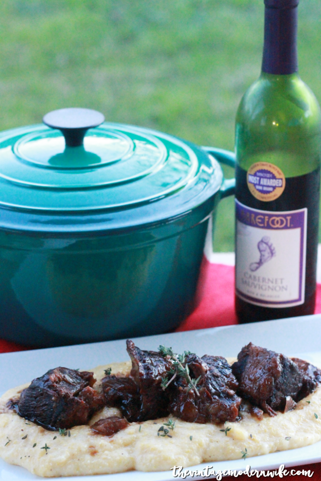 Looking for a stick-to-your-ribs winter dinner recipe? These Braised Balsamic Short Ribs and Creamy Polenta are SO good, you'll want to make it over and over again! So grab your Cocinaware Dutch Oven, and get cooking!