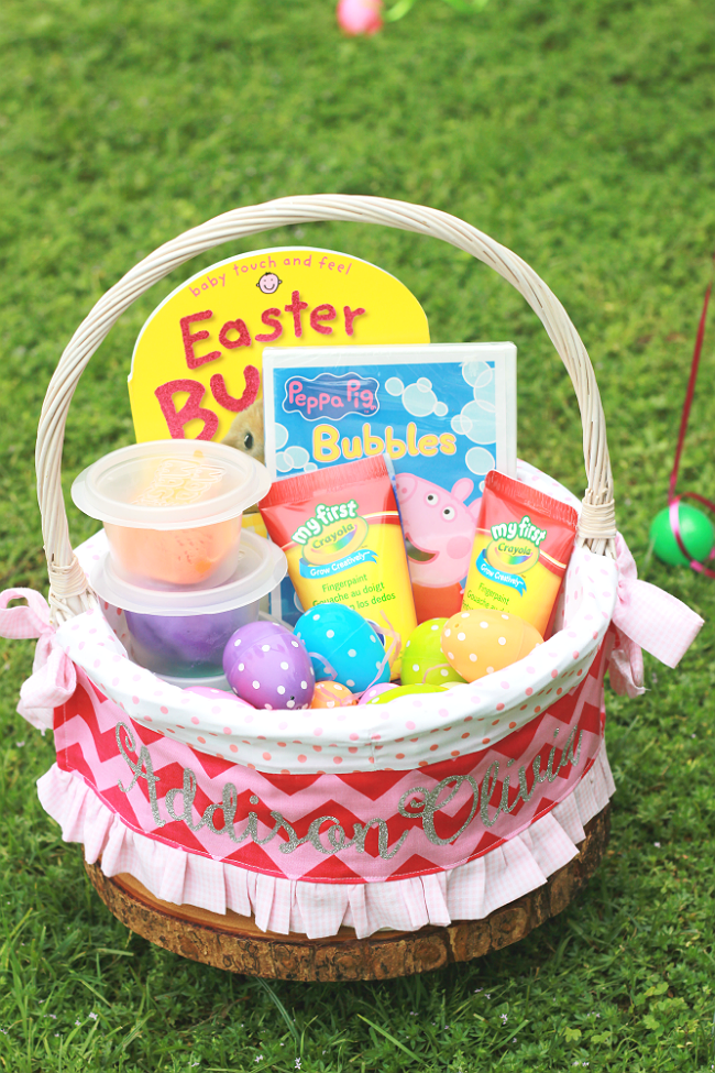 We are making our Easter EGGstra special with a sensory filled Easter hunt!  With such fun ideas, you won't want to miss out! #heb #ad